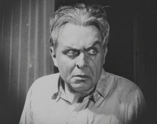 """Film-still aus """"DrMabuse, der Spieler, Teil 1: Der grosse Spieler. Ein Bild der Zeit"""", 1922 Schauspieler: Rudolf Klein-Rogge als Dr. Mabuse Kamera: Carl Hoffmann Copyright: Friedrich-Wilhelm-Murnau-Stiftung"""