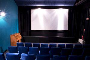 Kino 2 mit Harmonium (nur Deko)